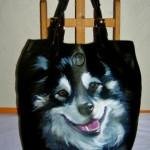 Anna Maria Di Giorgi: ritratto di Zara - dipinto a mano su borsa in ecopelle
